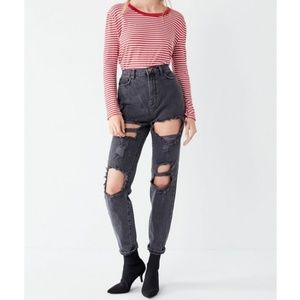 Urban Outfitters BDG Destroyed Mom Jean Black